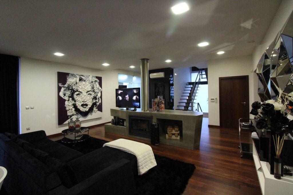 Luxurious Villa1.jpg