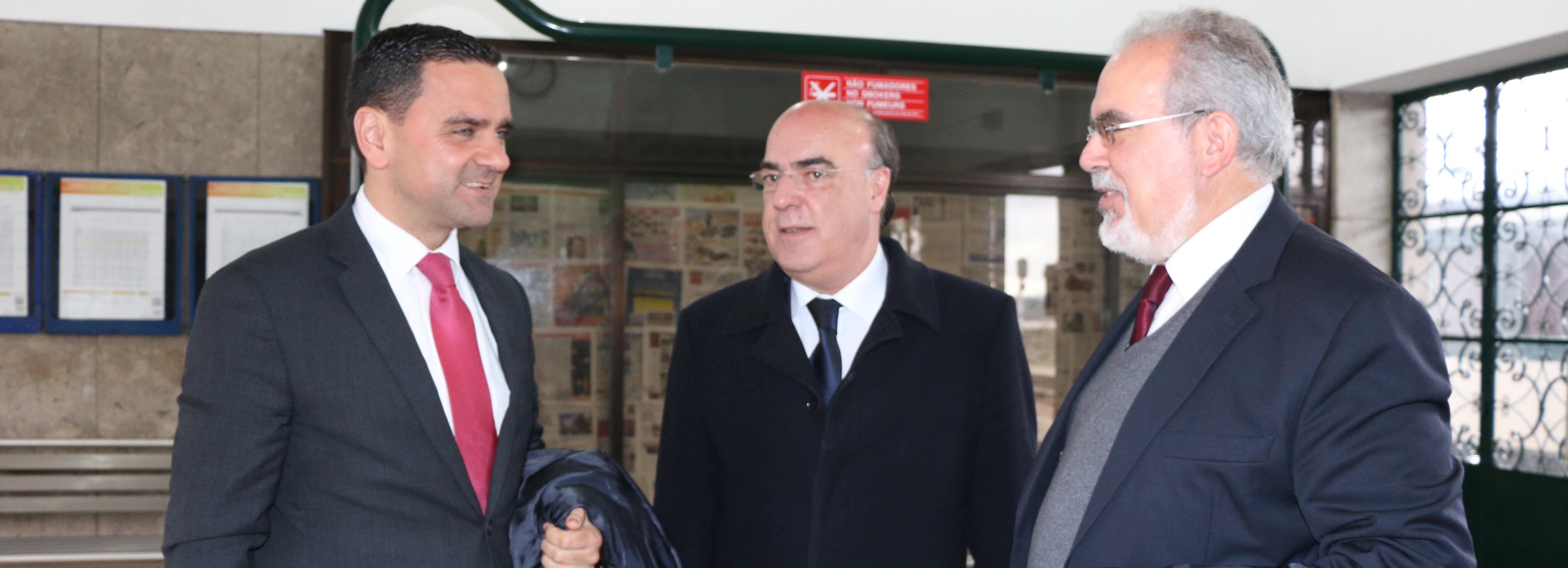 Ministro do Planeamento e Infraestruturas assina auto de consignação da Eletrificação da Linha do Minho
