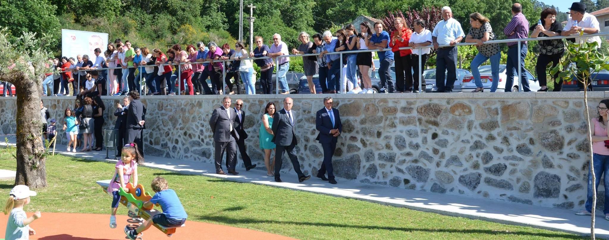 Presidente da Câmara inaugura Parques de Lazer das freguesias de Quintiães e Aguiar