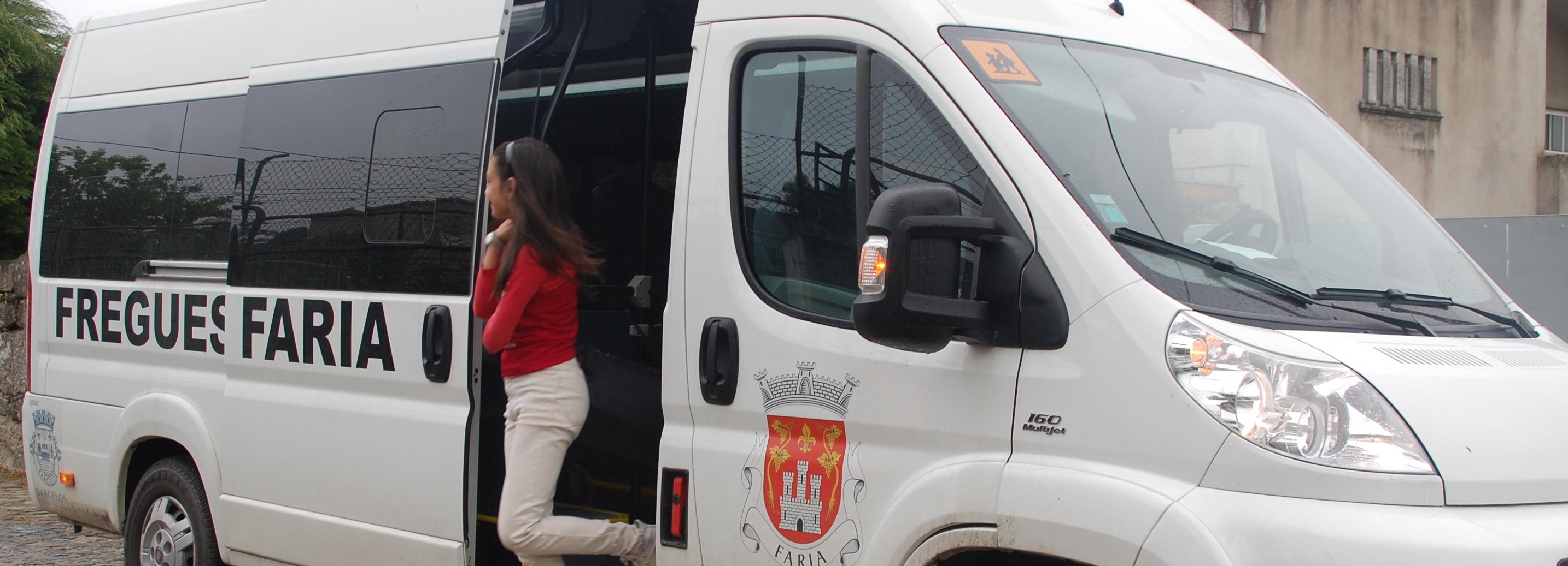 Câmara Municipal subsidia mini-autocarro para transporte dos alunos de Goios