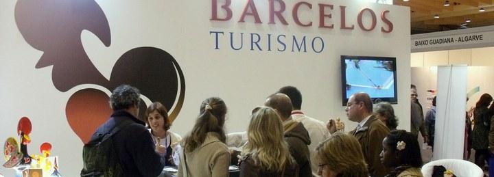 Galo de Barcelos gigante recebe os milhares de visitantes na BTL