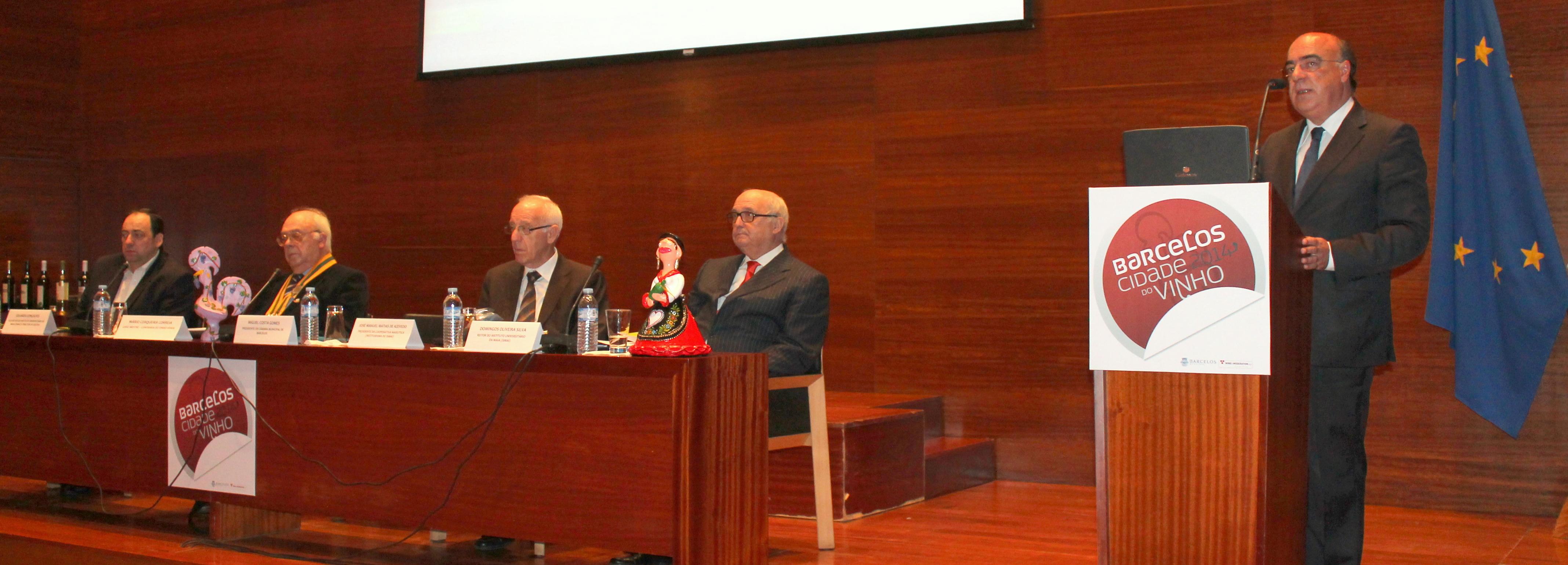 Câmara Municipal realiza simpósio sobre o vinho enquanto património cultural e enoturismo