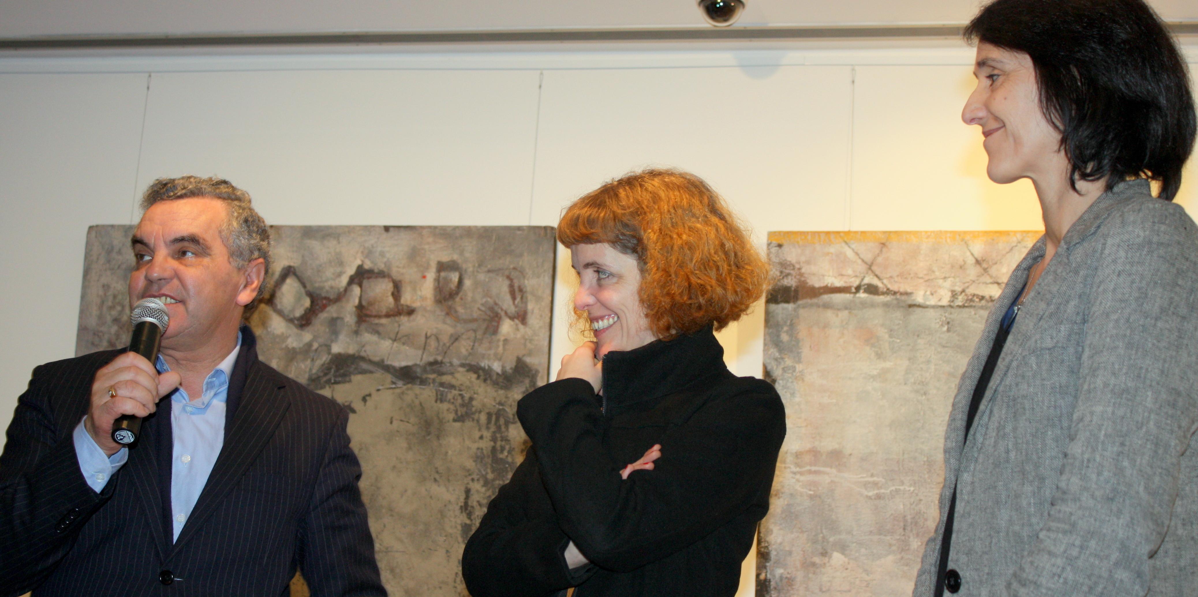 Exposição de pintura e instalação na Galeria Municipal de Arte
