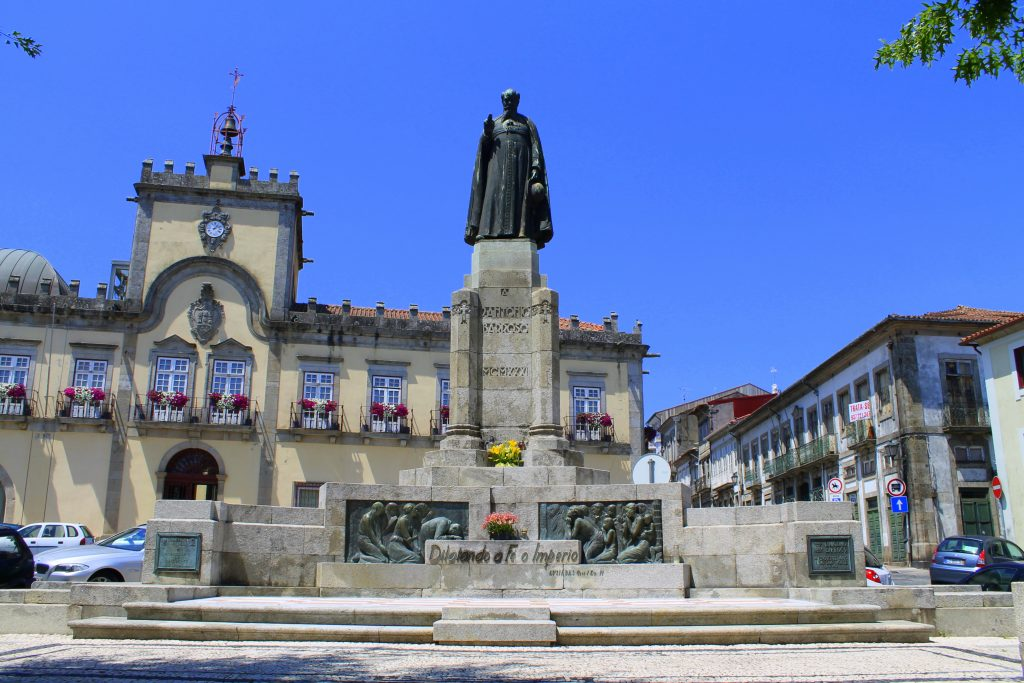 Monumento a D. António Barroso, Bispo do Porto