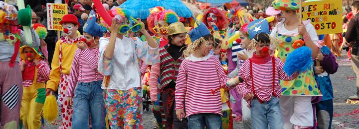 Milhares de pessoas no Carnaval de Barcelos