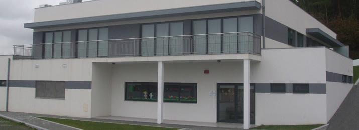Novas instalações dos centros sociais de Vila Cova e Chorente vão ser inaugurados