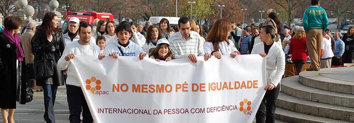 Caminhada e exposição assinalaram Dia Internacional da Pessoa com Deficiência