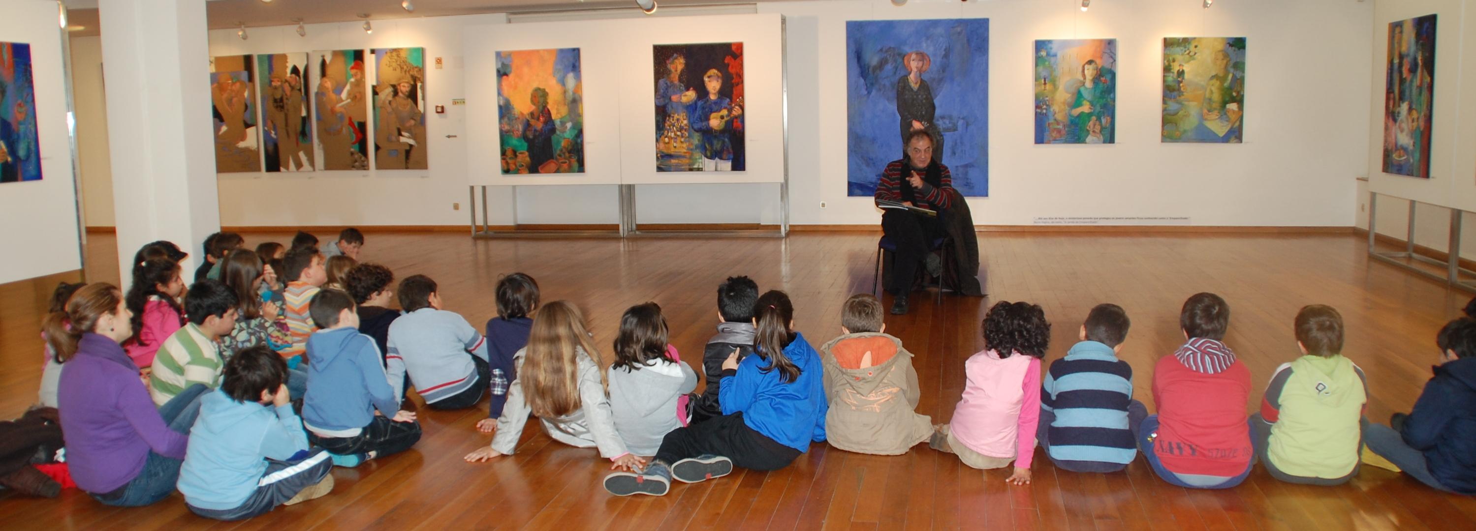 Alunos de escolas de Barcelos visitam exposição na Galeria de Arte