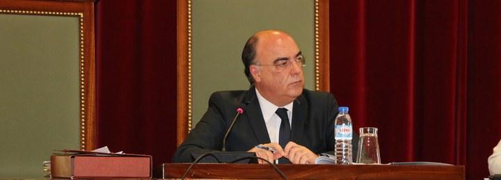 Executivo aprova cinco vereadores a tempo inteiro e delegação de competências