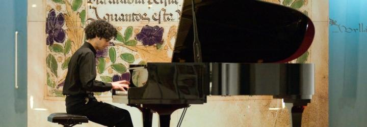 Salão Nobre encheu para o recital de João Artur Lourenço