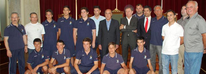 Presidente da Câmara recebe campeões nacionais de iniciados do Óquei de Barcelos