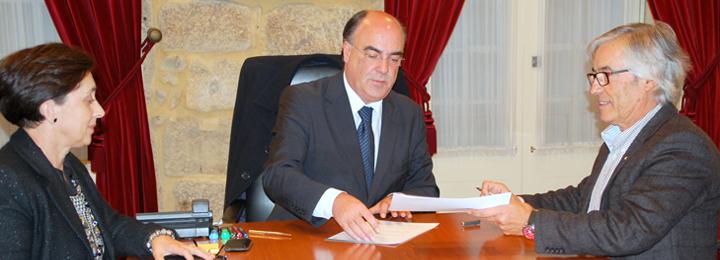 Presidente da Câmara assina protocolo de promoção de saúde ocular e auditiva para crianças carenciadas