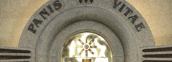 Exposição de sacrários e conferência no Salão Nobre da Câmara Municipal