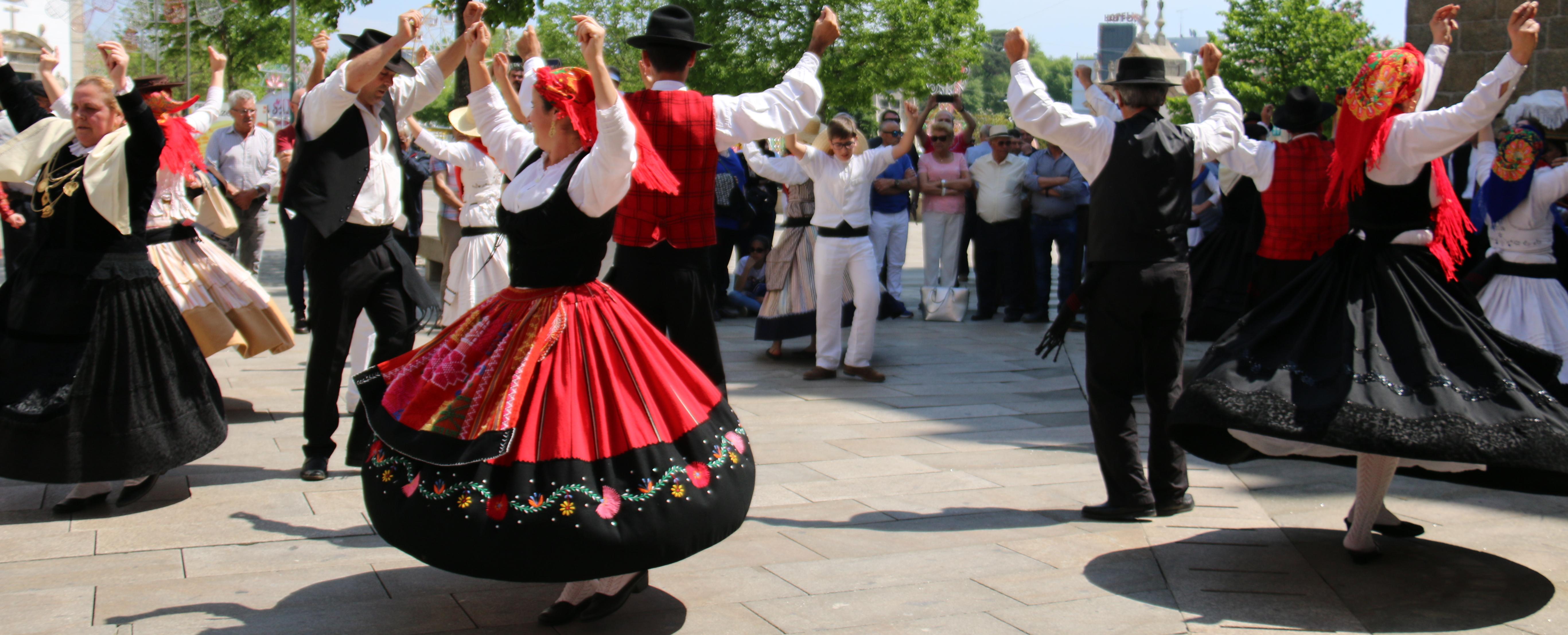 Câmara Municipal aprova apoios a grupos folclóricos e freguesias
