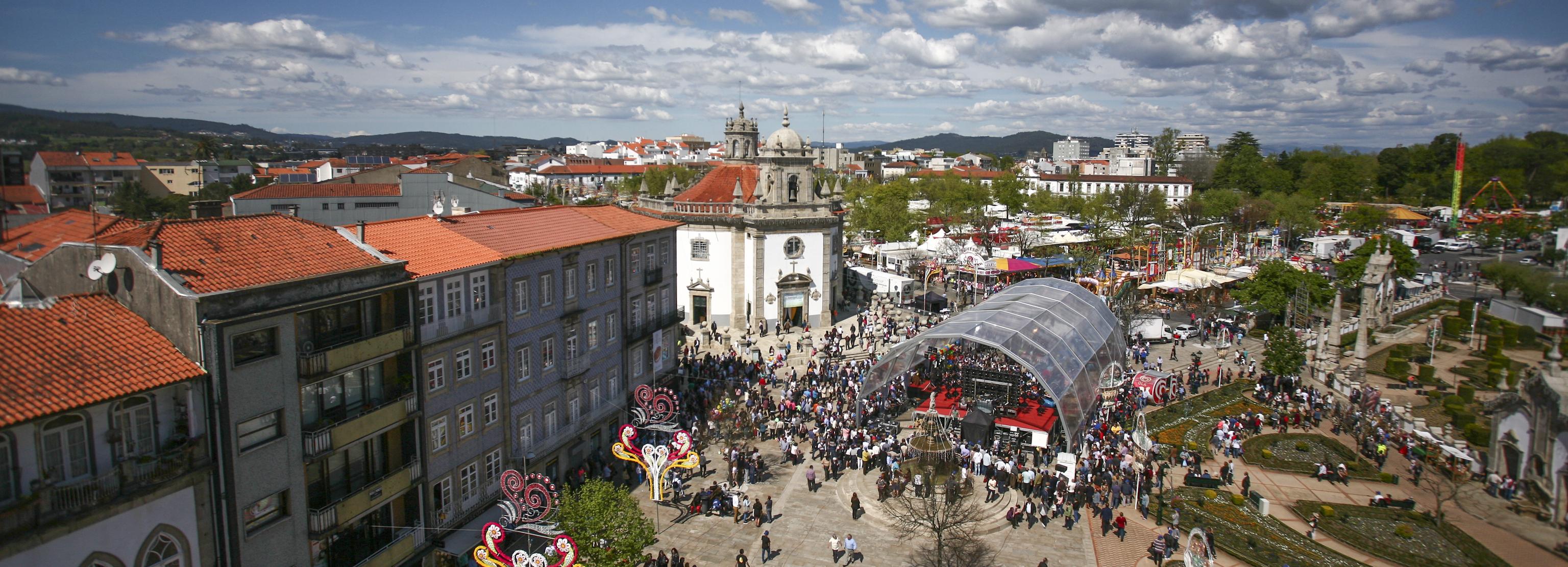 Primeiro fim de semana da Festa das Cruzes trouxe milhares de pessoas a Barcelos