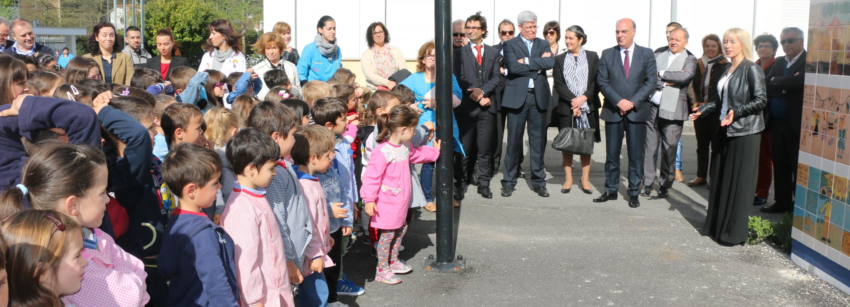 Presidente da Câmara inaugura bibliotecas escolares