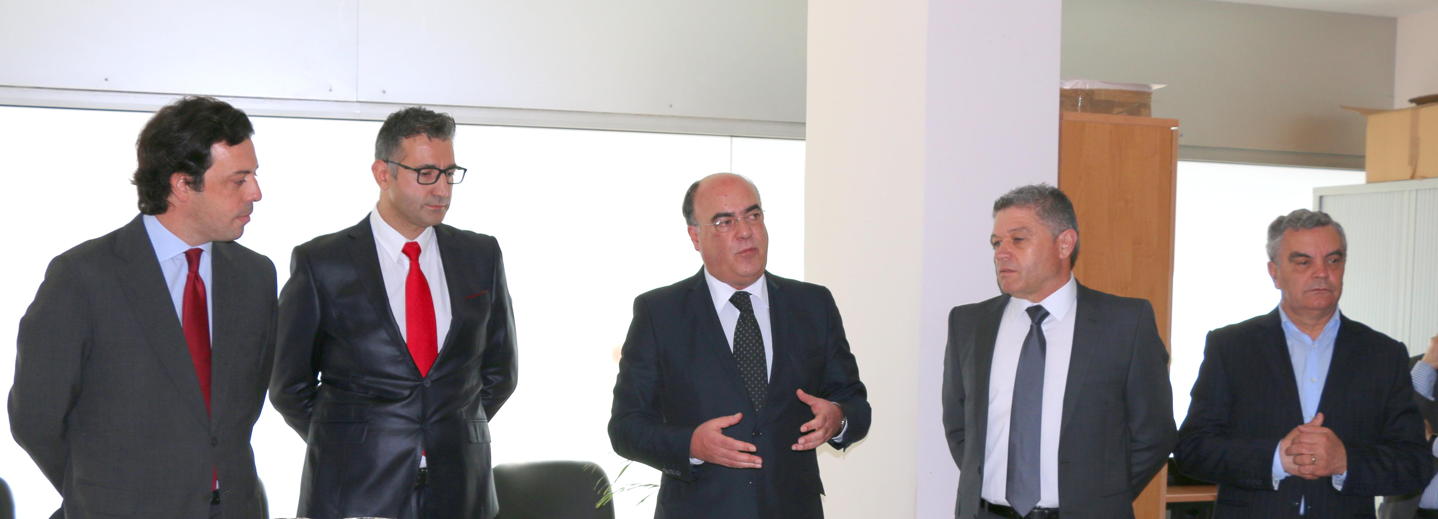 Presidente da Câmara inaugura nova loja da EDP em Barcelos