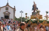 milhares de fiéis nas duas grandes peregrinaçõe...