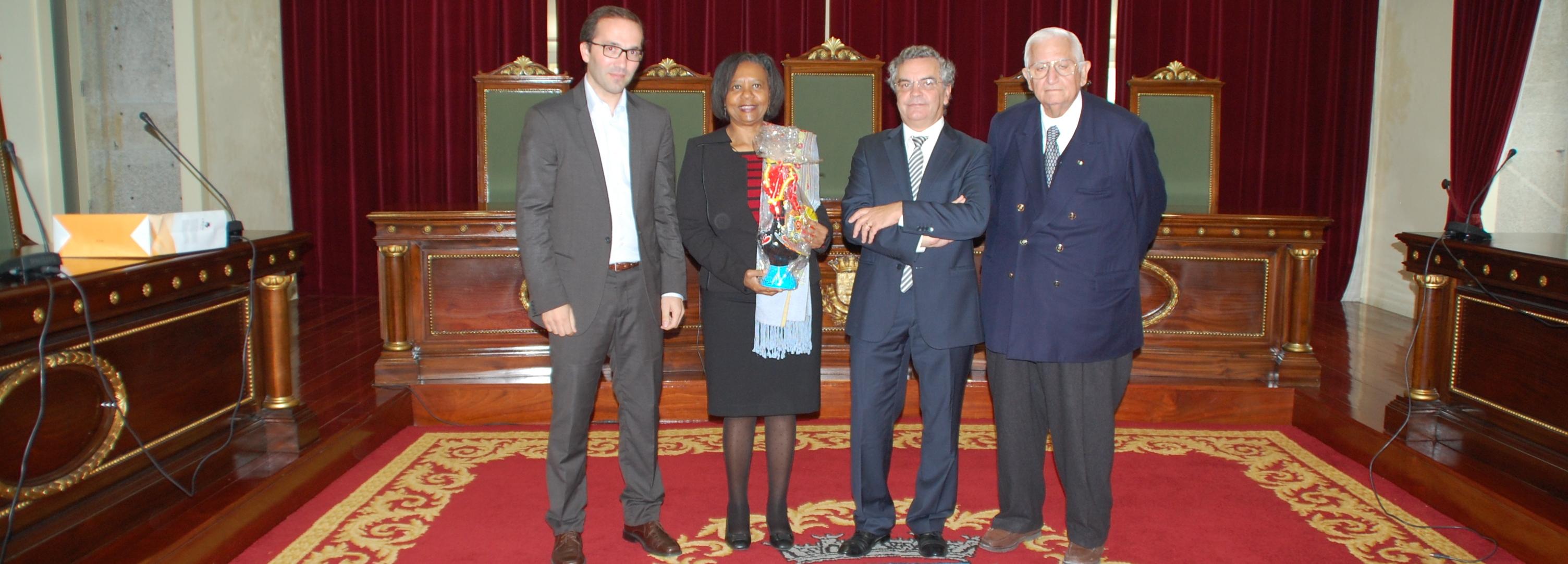 Vice Presidente da Câmara recebe embaixadores da África do Sul e do Paraguai