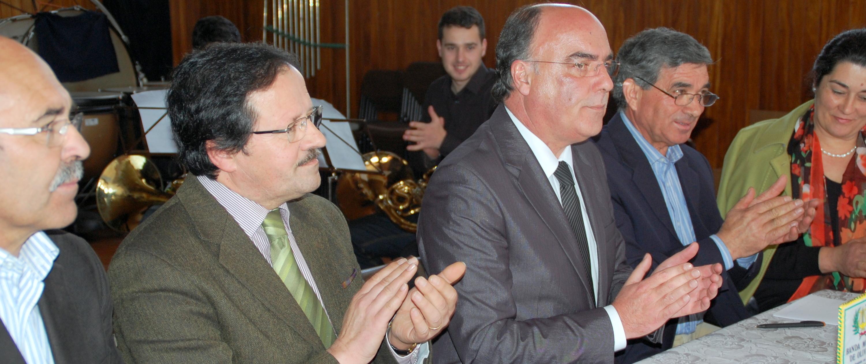Presidente da Câmara assina protocolos com Banda Musical de Oliveira