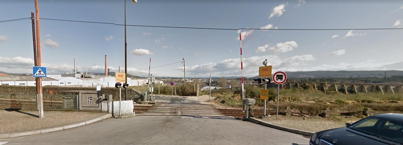 Passagem de nível junto à Estação fecha para obras