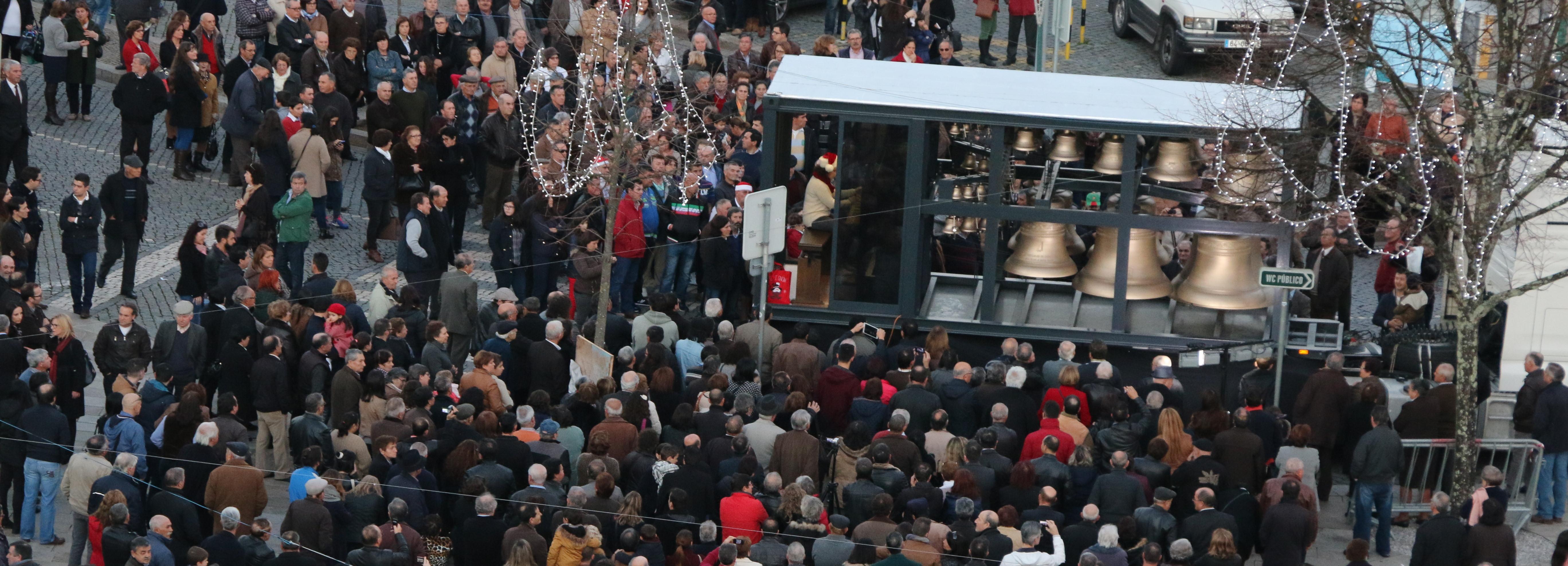 O Centro da Cidade de Barcelos vestiu-se a rigor para receber o Pai Natal