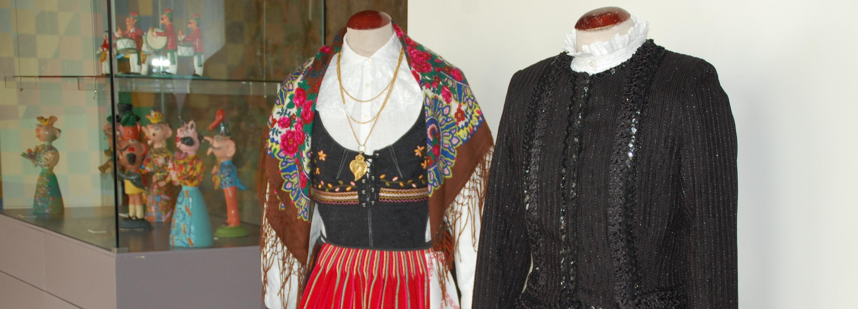 Exposições na Biblioteca, Posto de Turismo, Sala Gótica e Salão Nobre durante o mês de maio