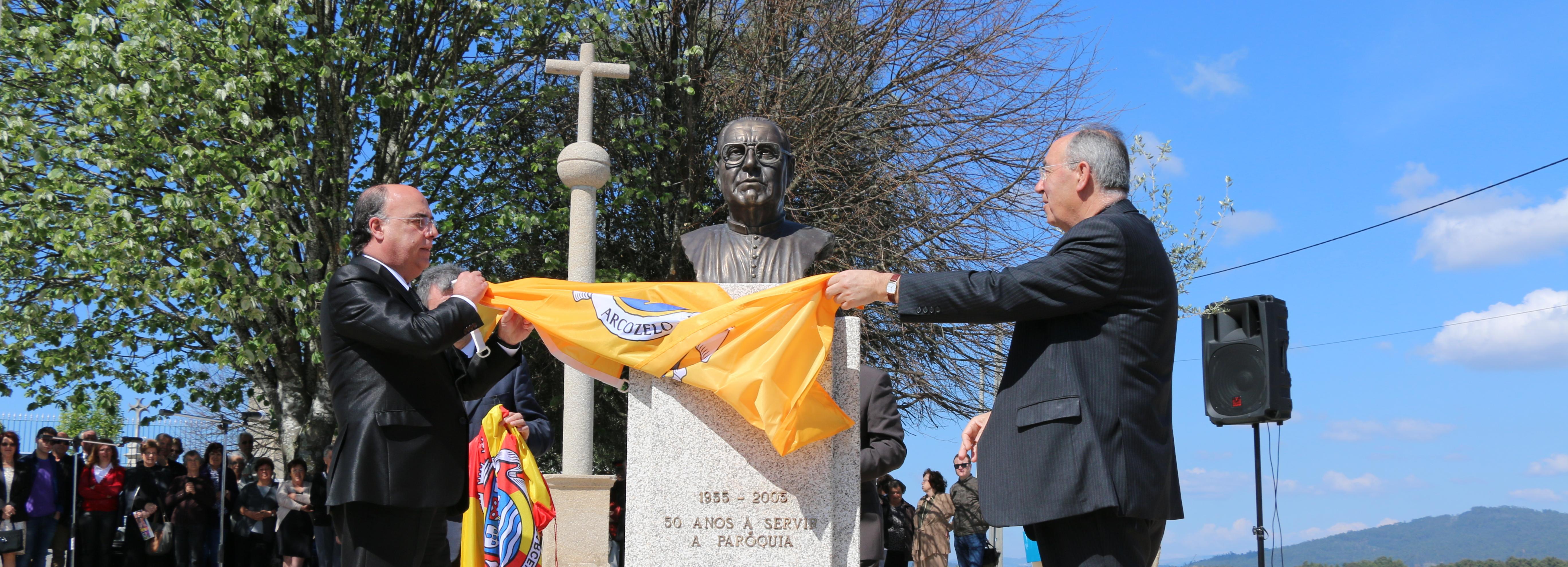 Homenagem a Padre Seara pelo trabalho e dedicação a Arcozelo