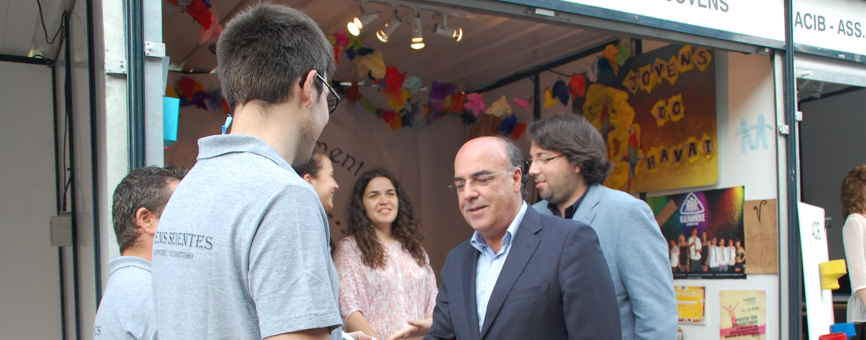 Mostra de Associativismo e Festa da Juventude animam centro da cidade