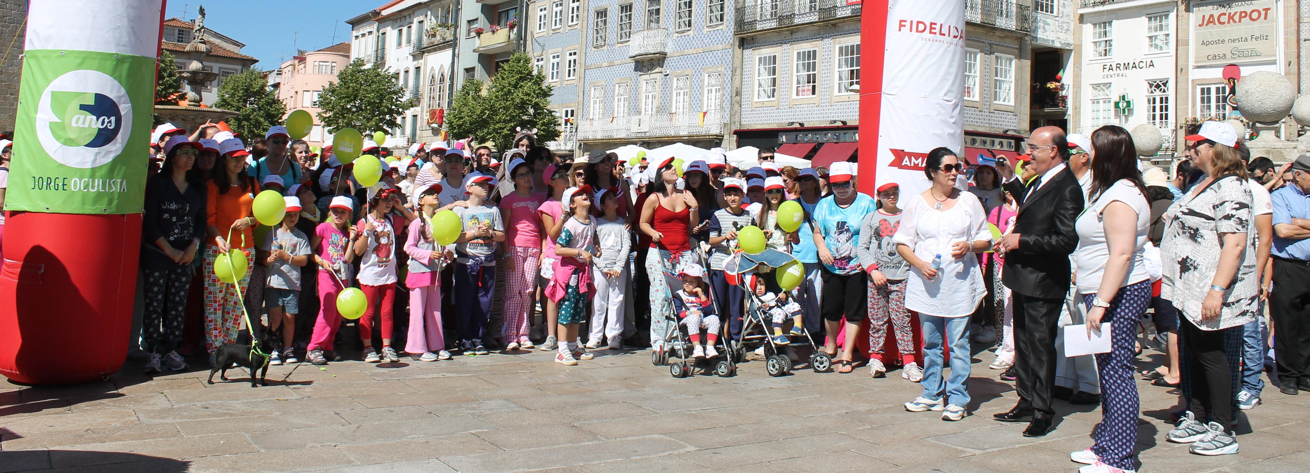 Caminhada do Pijama juntou mais de 1800 pessoas em Barcelos