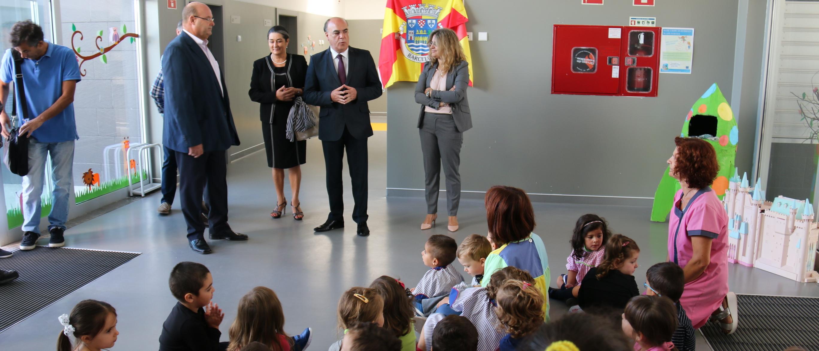 Investimentos de 4 milhões de euros na educação marcam início de novo ano letivo