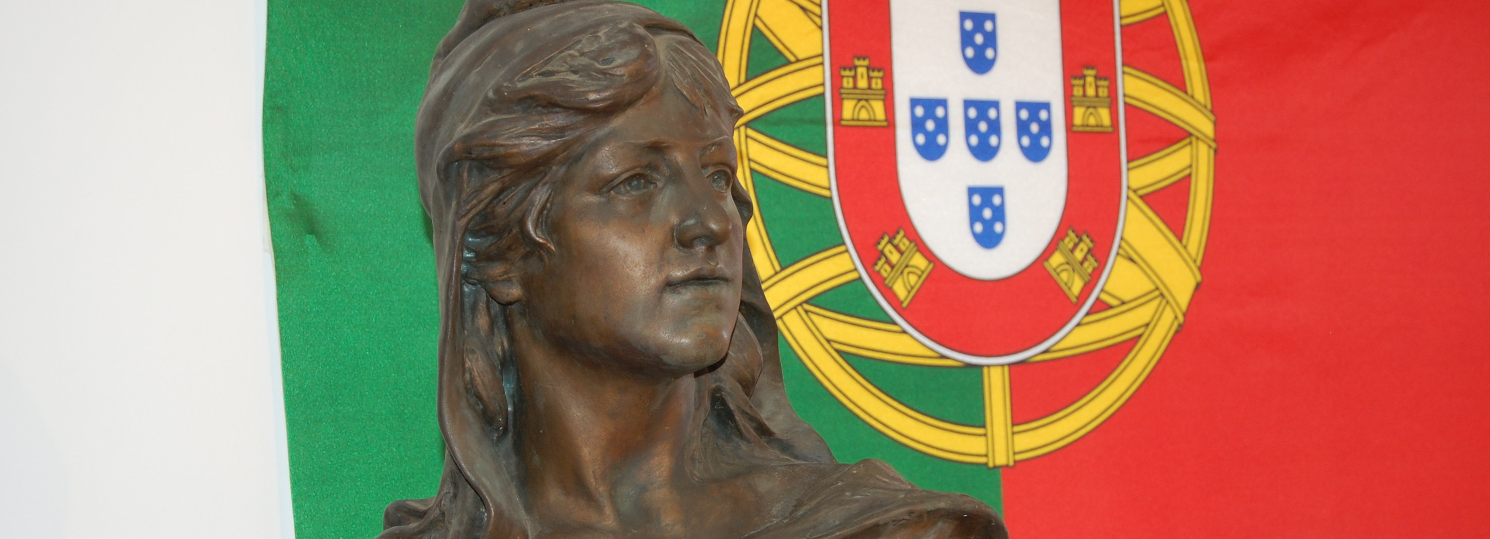 Câmara expõe obras de artesão de Barcelos  na Assembleia da República