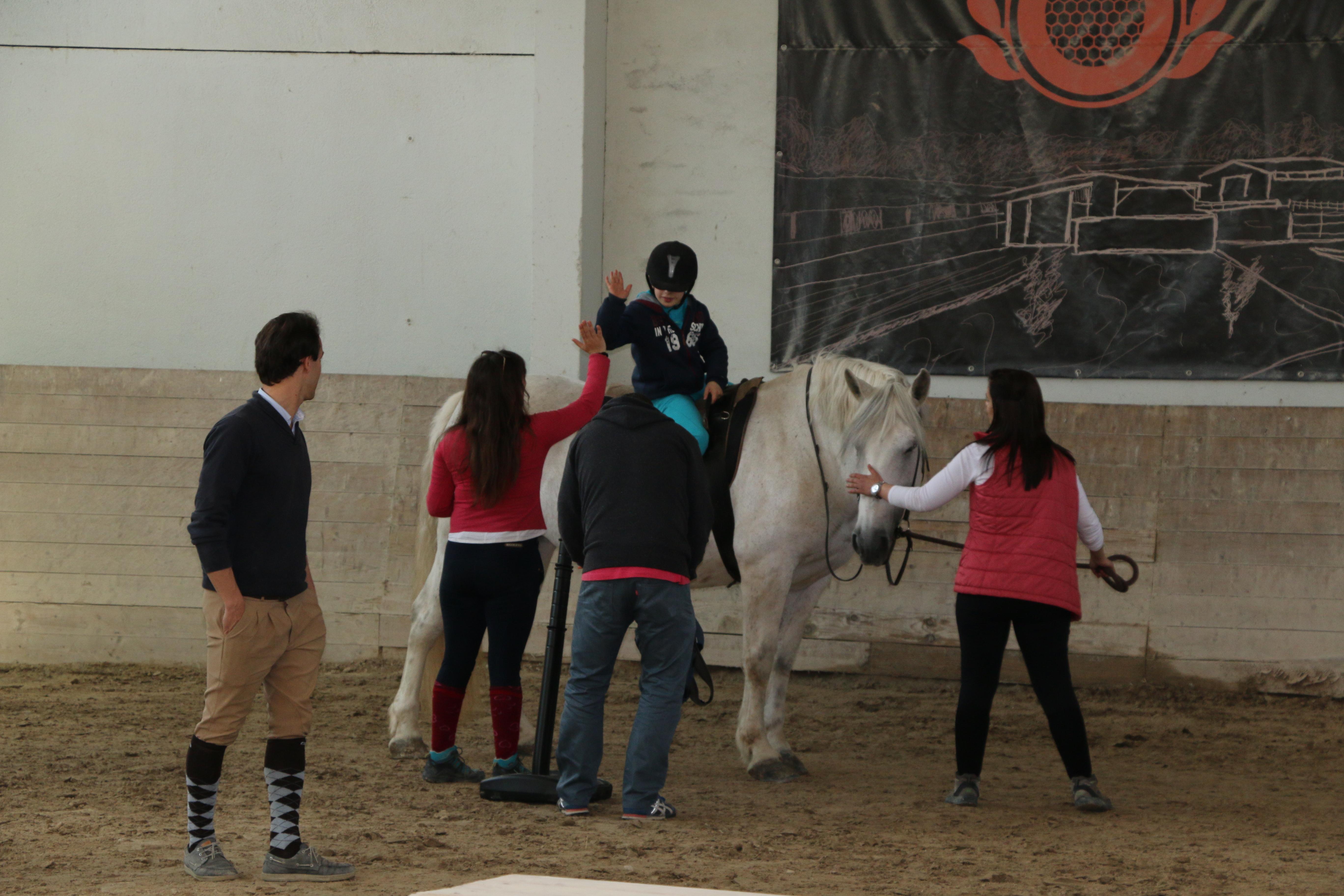 """Município de Barcelos disponibiliza transporte gratuito a crianças e jovens  no âmbito do projeto """" A diferença está no desporto"""""""