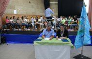 Presidente da Câmara em exercício assina protocolo com Banda Musical de Oliveira