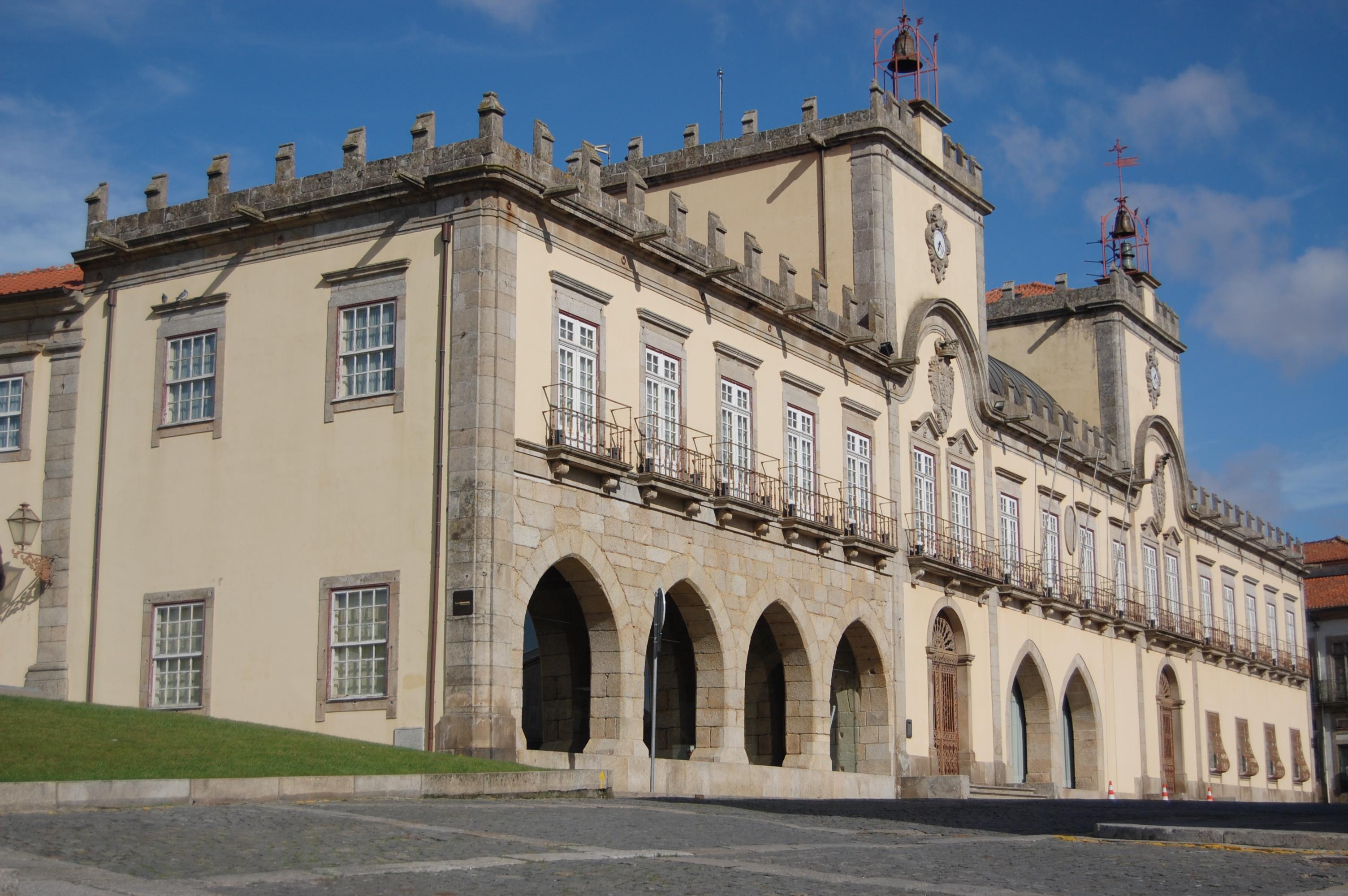 Câmara Municipal encerra ao público equipamentos e serviços a partir de 12 de março