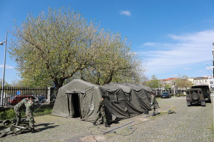 Câmara Municipal cede tendas e monoblocos ao Hospital e Centro de Saúde