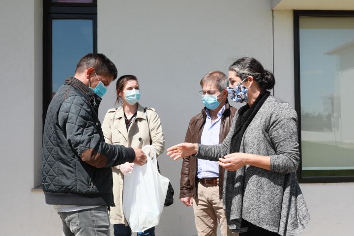 Comunidades ciganas de Barcelos recebem kits higiene para combate ao Covid-19