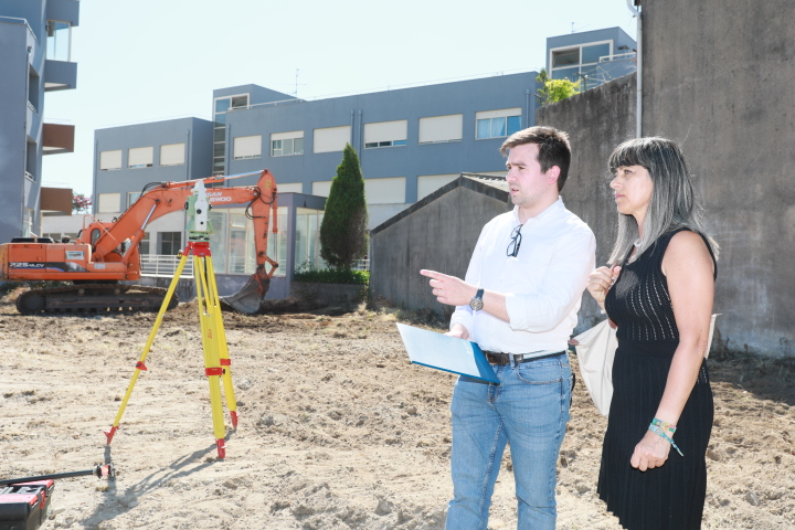 Iniciaram as obras das instalações provisórias do Mercado Municipal