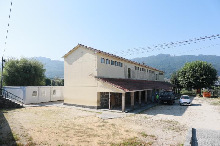 Iniciaram as obras de reabilitação e ampliação da Escola de Martim