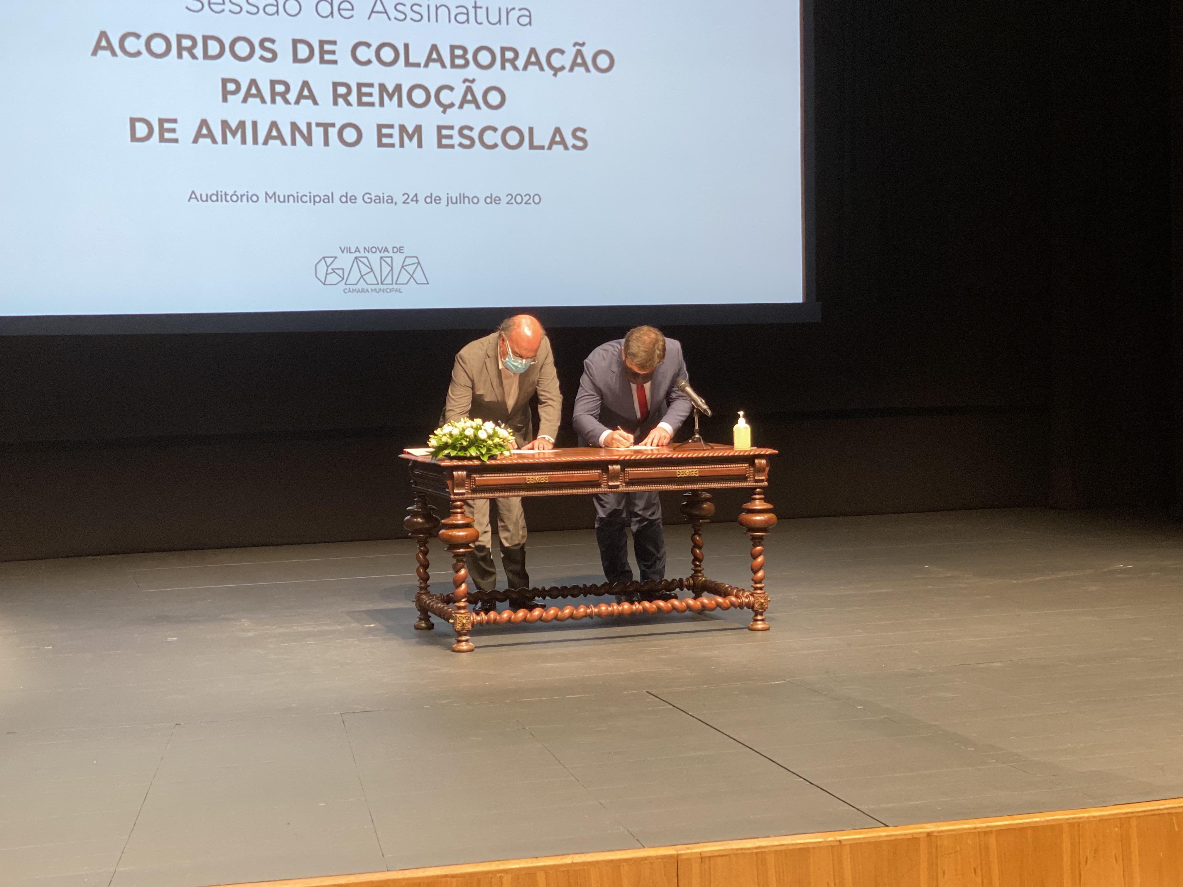 Município de Barcelos assina acordo de colaboração com o Ministério de Educação para remoção de amianto