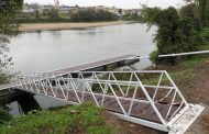 instalação de ancoradouros nas margens do rio c...