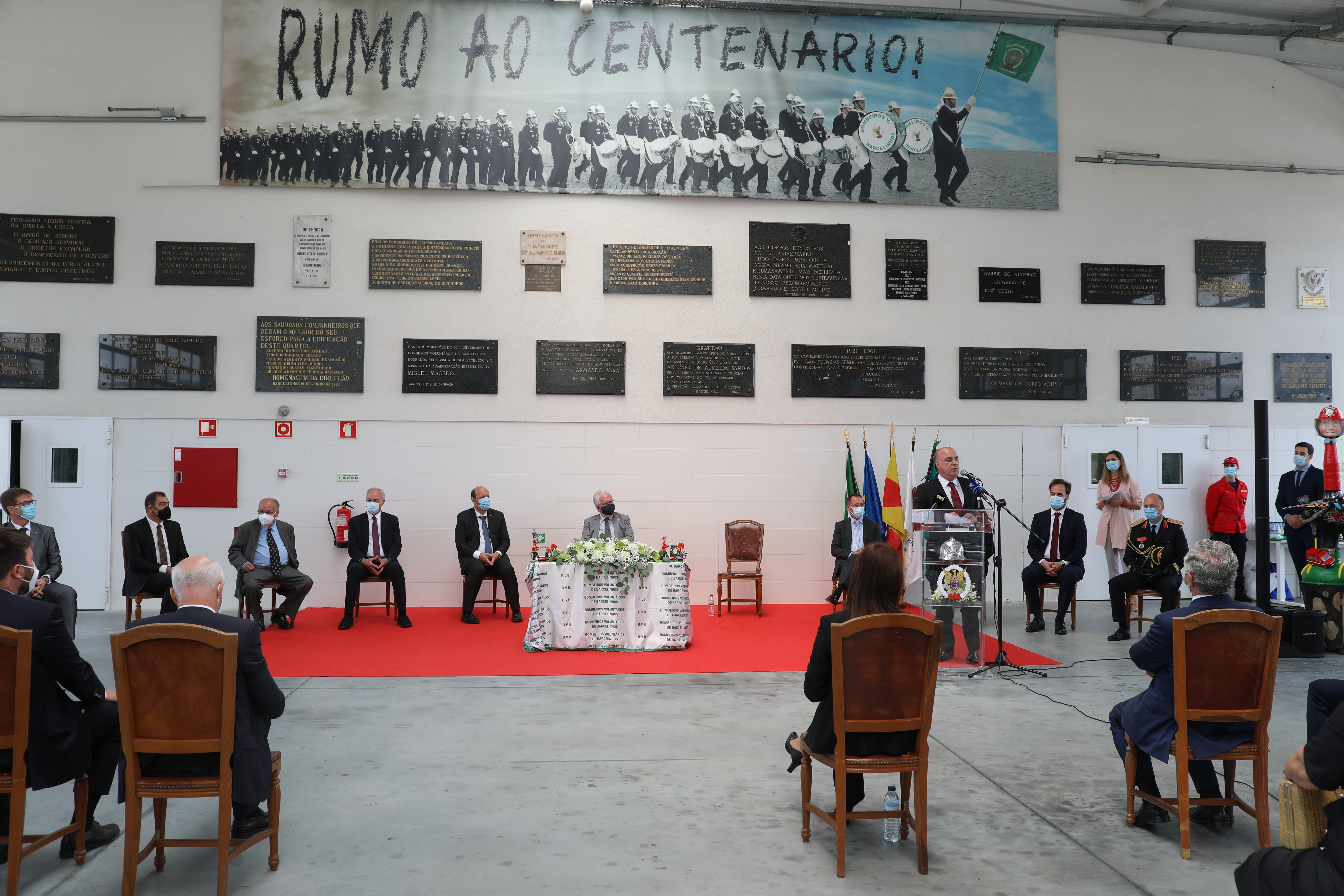 Ministro da Administração Interna e Presidente da Câmara Municipal louvam trabalho dos Bombeiros de Barcelinhos