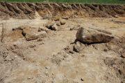descobertos restos arqueológicos do século xi e...